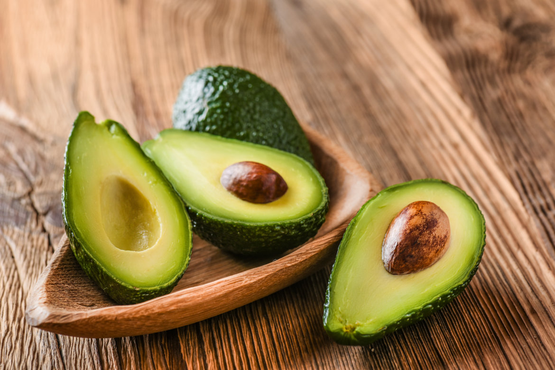 Avocado mit Kernen